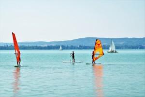 windsurfing-1586675_1920